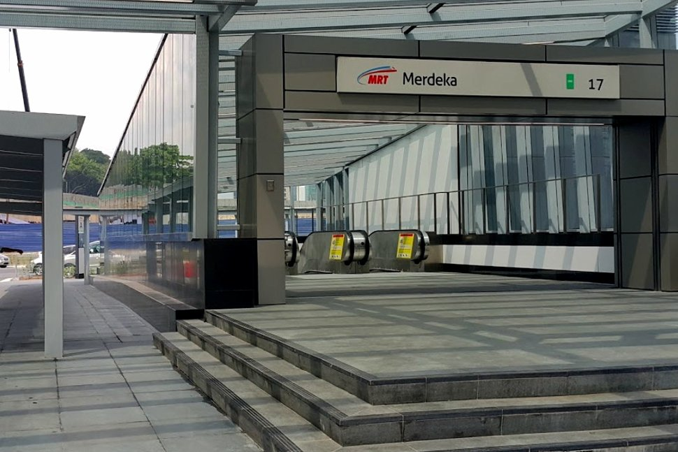 Entrance to the concourse level of the station