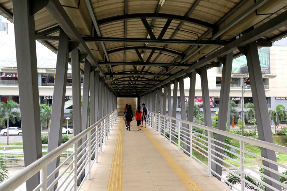 Pedestrian bridge to Viva Home shopping mall