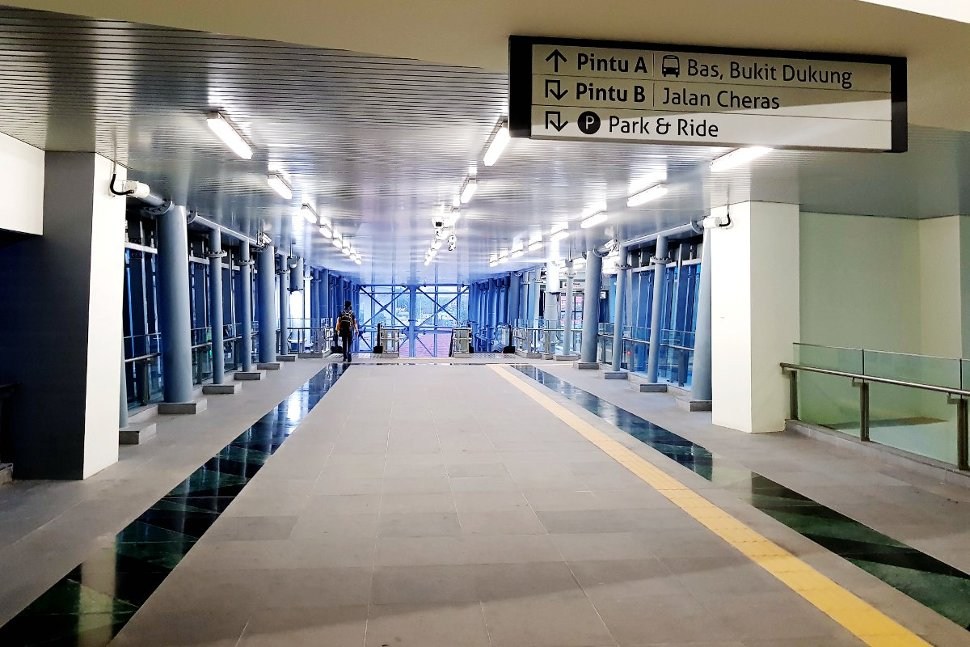 Pedestrian walkway to entrance A