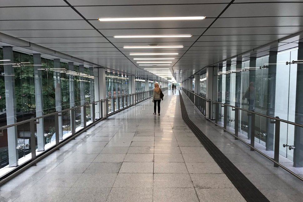 Maluri MRT station is also integrated with Ampang Line LRT. A covered walkway connects the two systems. The walk takes about 2 mins.