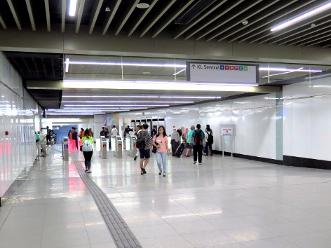 Fare gates at entrance C leading towards the KL Sentral pedestrian link