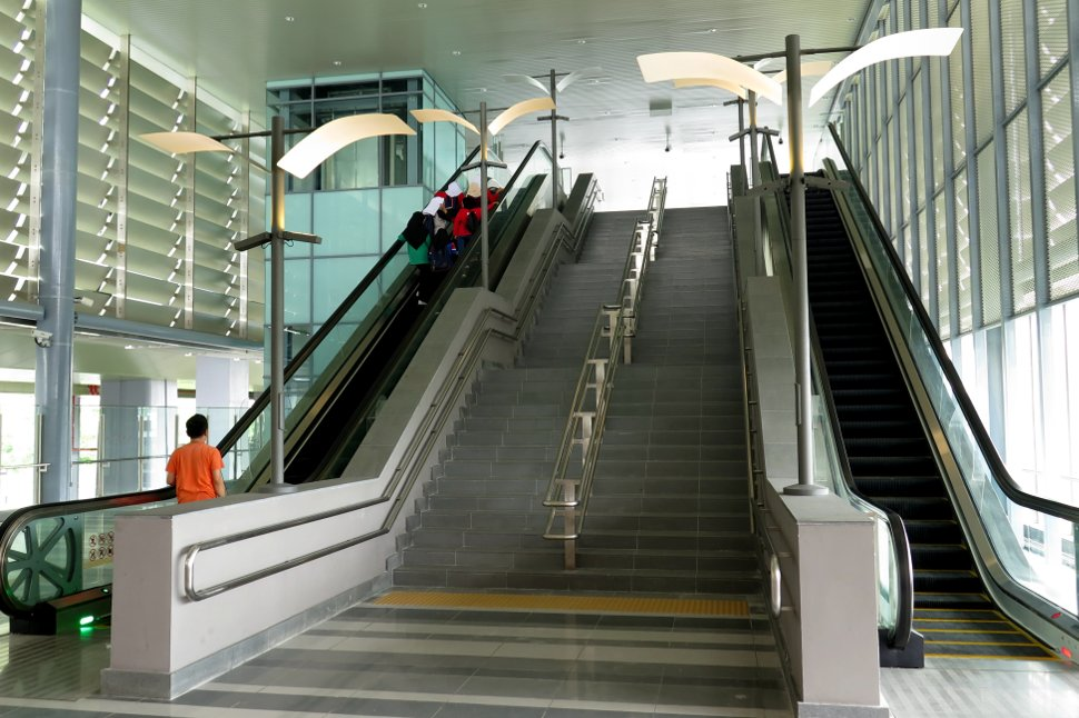 The escalators and stairs at the concourse level