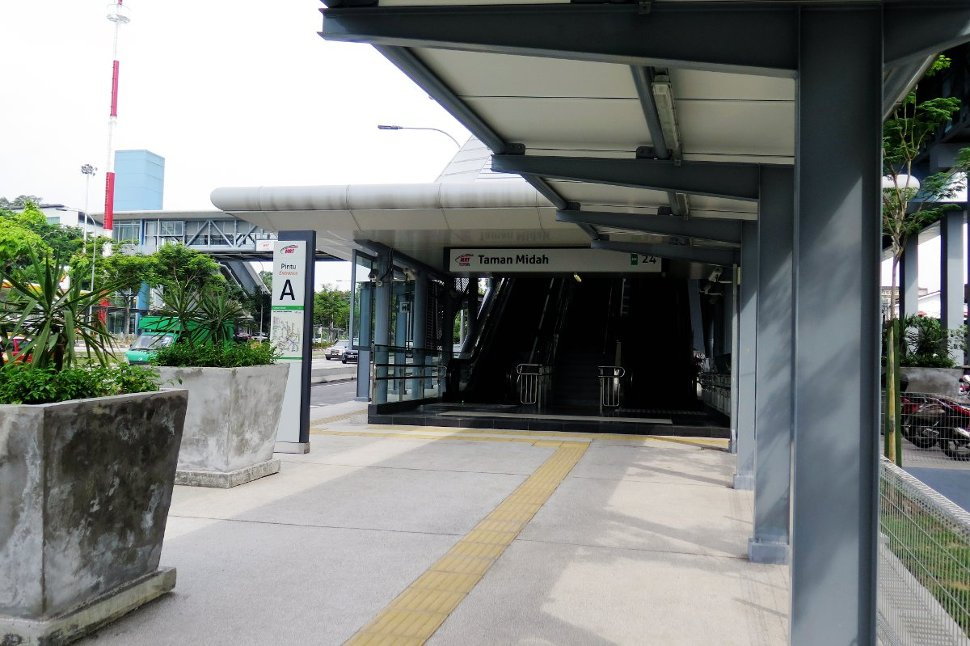 Entrance A of Taman Midah station