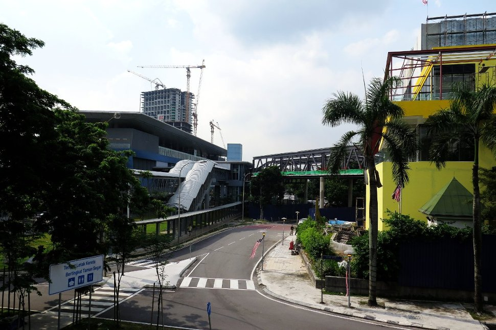 Cheras Leisure mall near the Taman Mutiara station