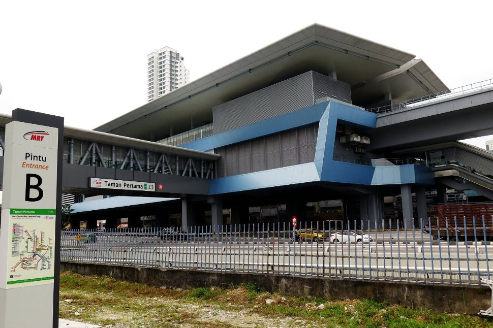 View of Taman Pertama station near entrance B