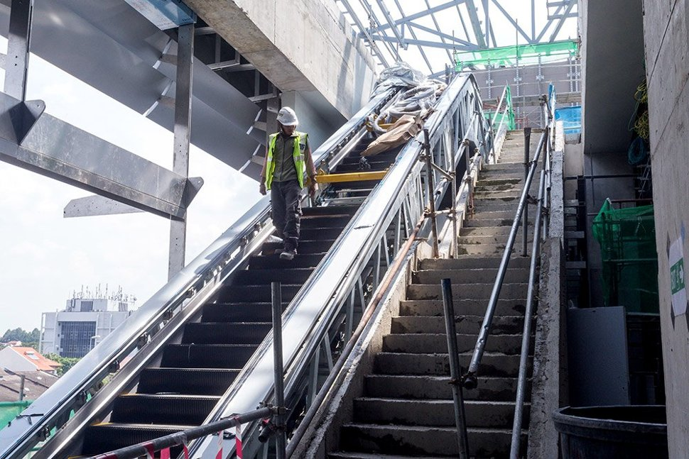 Staircases and escalators being built inside the Bandar Utama Station. (Dec 2015)
