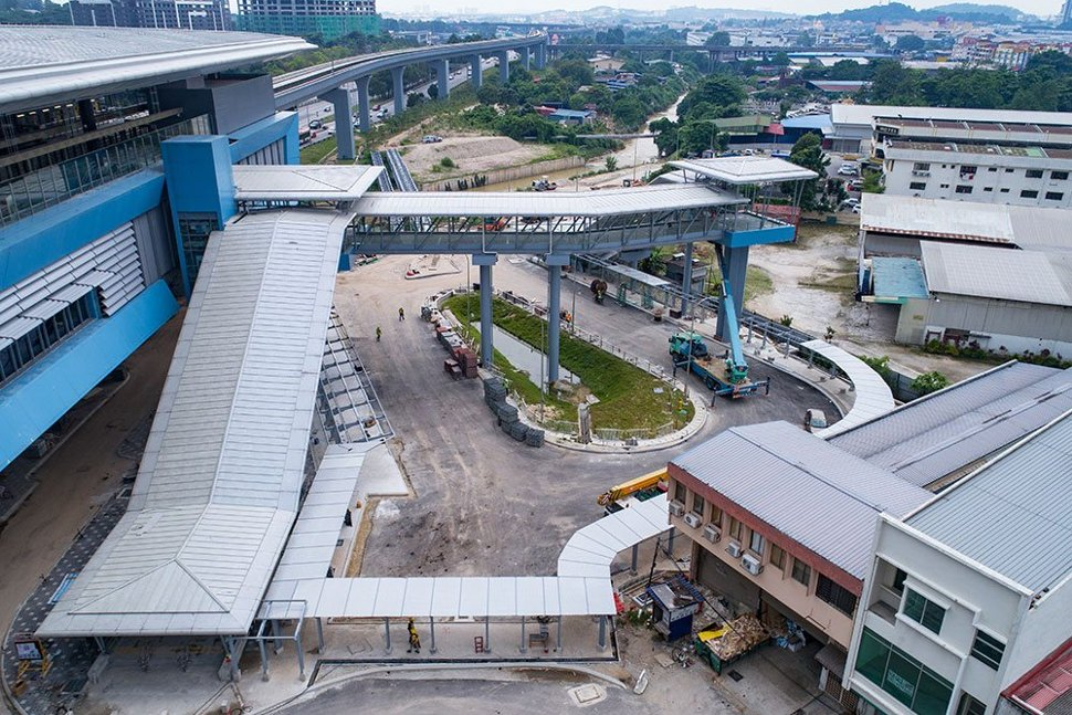 Aerial view of the entrance to the Batu 11 Cheras Station. Apr 2017