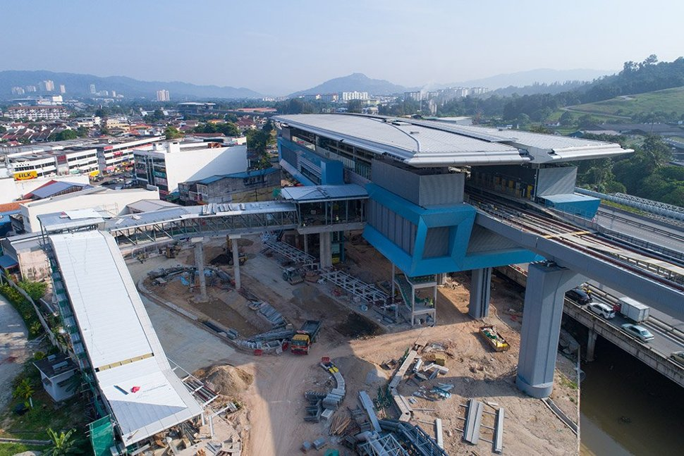 View of the Batu 11 Cheras Station with the walkway access. Jan 2017