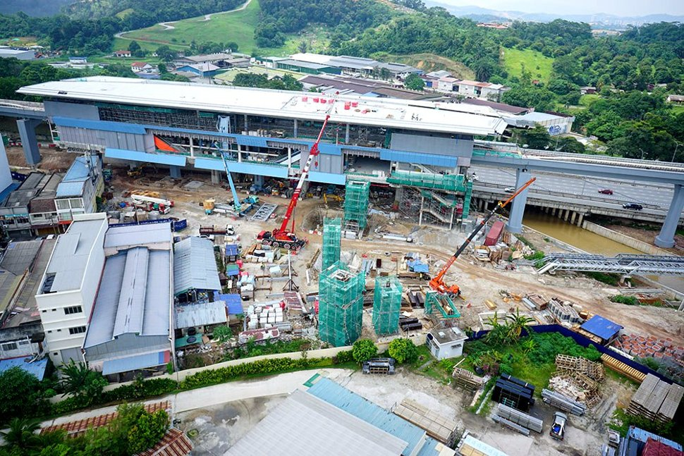 View of the construction progress of the Batu Sebelas Cheras Station. May 2016