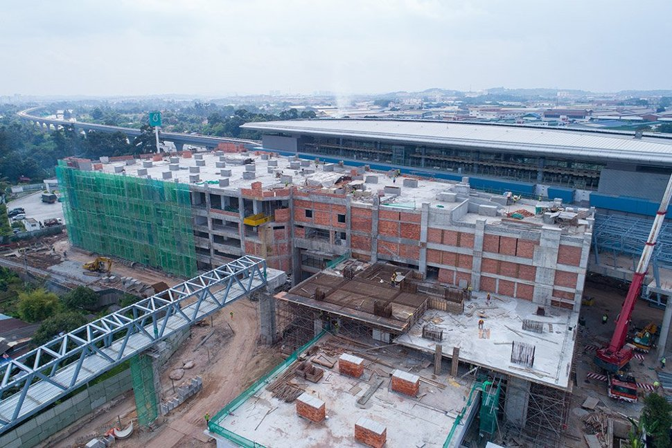 Ongoing construction works of the multi-storey parking facility at the Bukit Dukung Station. Jan 2017