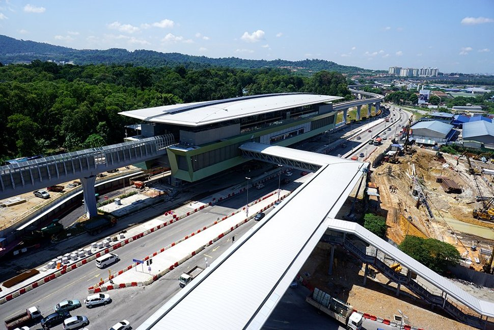View of the Kampung Selamat MRT Station with its pedestrian link bridge giving access to the nearest development. (Sep 2016)