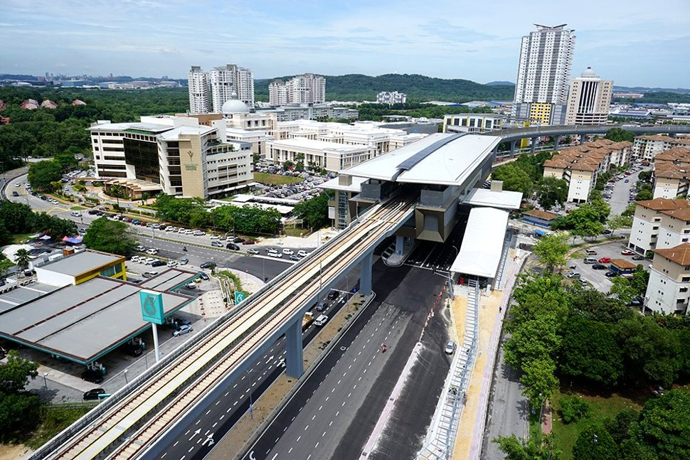 View of the Kota Damansara Station. (Sep 2016)