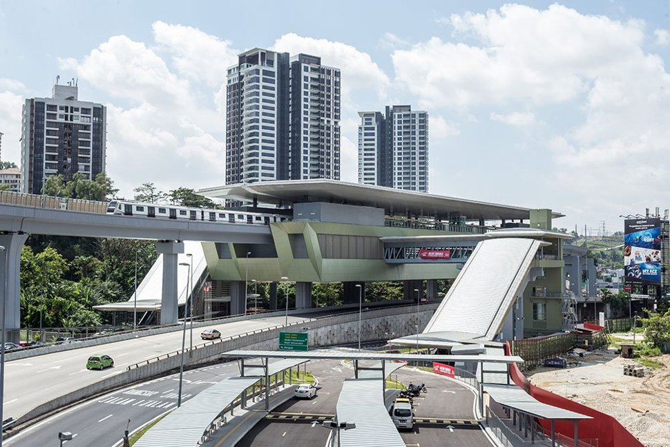 View of the completed Pusat Bandar Damansara MRT Station with a MRT train undergoing testing. (Dec 2016)