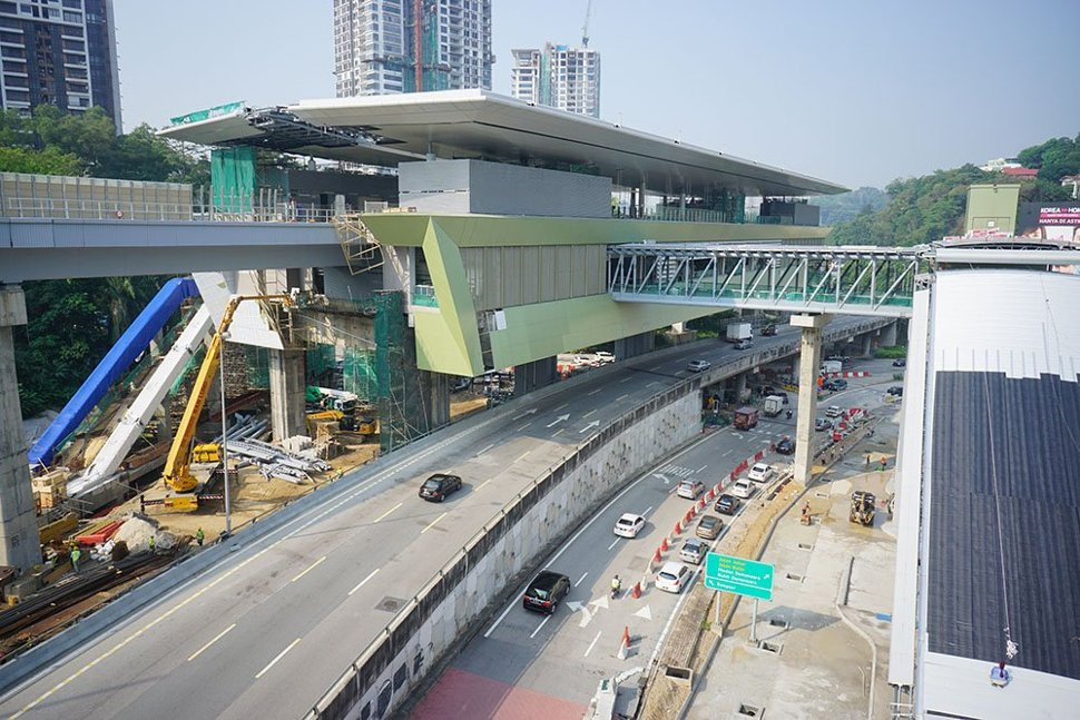 View of the Pusat Bandar Damansara Station which is almost completed. (Mar 2016)