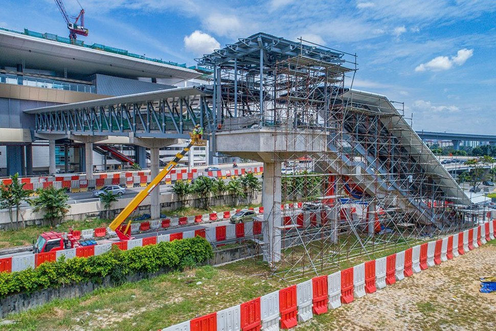 Structural steel work for the entrance at the Sri Raya Station. Feb 2017