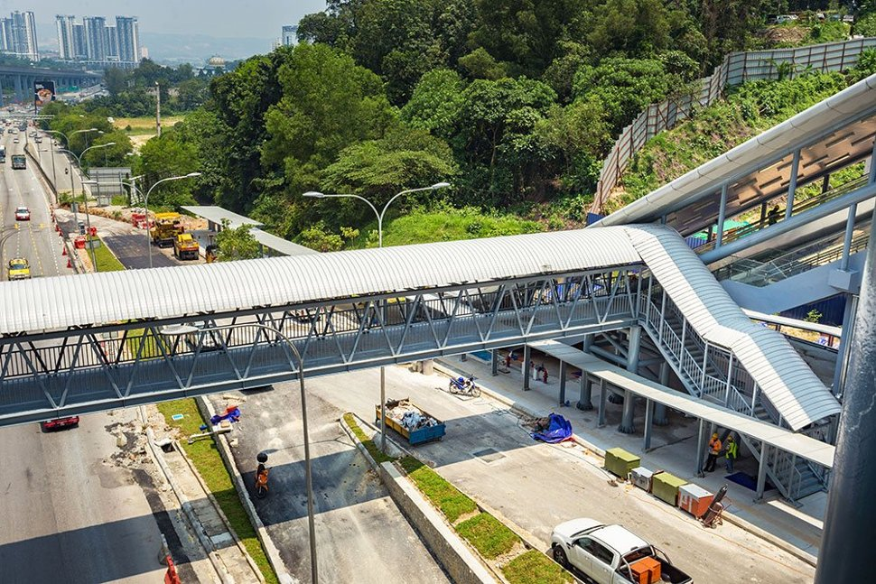 The pedestrian bridge that has been built for access to the Taman Connaught Station. Mar 2017