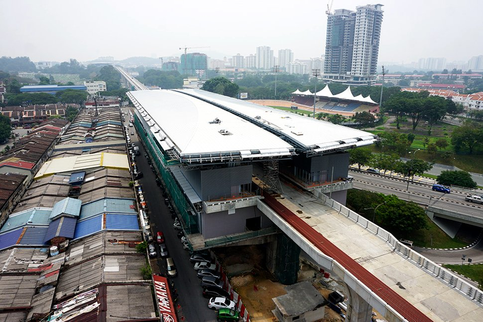 Aerial view of the construction of the Taman Pertama station. (Oct 2015)