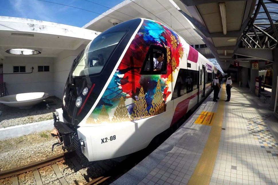 The first CRRC Changchun EMU for Express Rail Link (ERL)