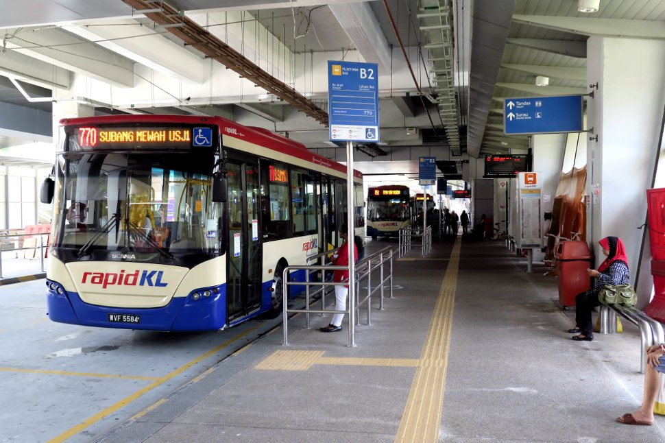 Bus hub at the ground level