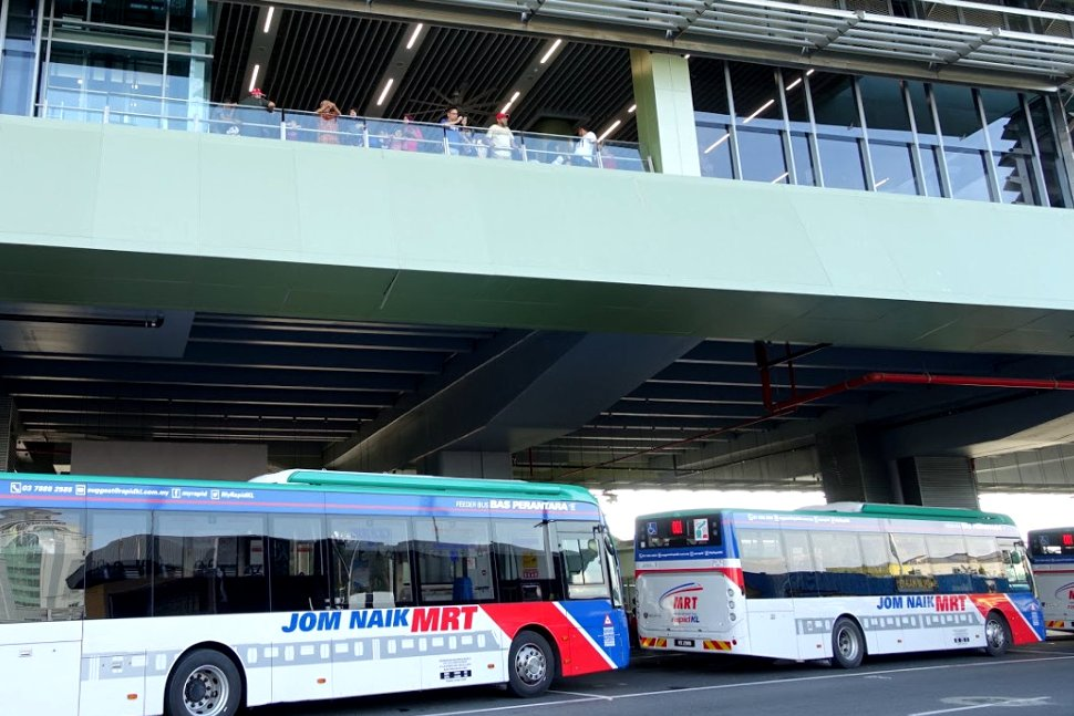 Feeder buses waiting at the station