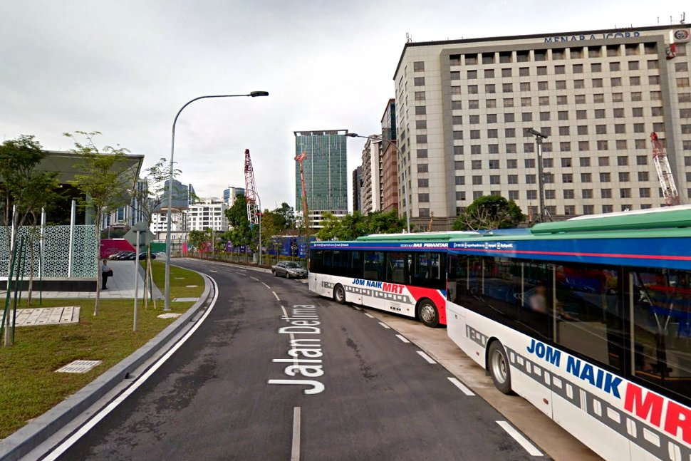 Feeder buses waiting near the station