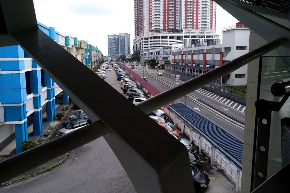 View from concourse level of USJ 21 LRT station