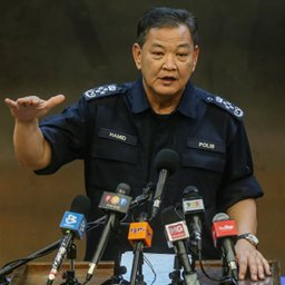Police, army assist in managing return of Malaysians, says IGP