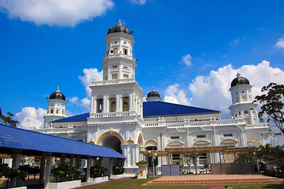 Sultan Abu Bakar Mosque and Royal Museum