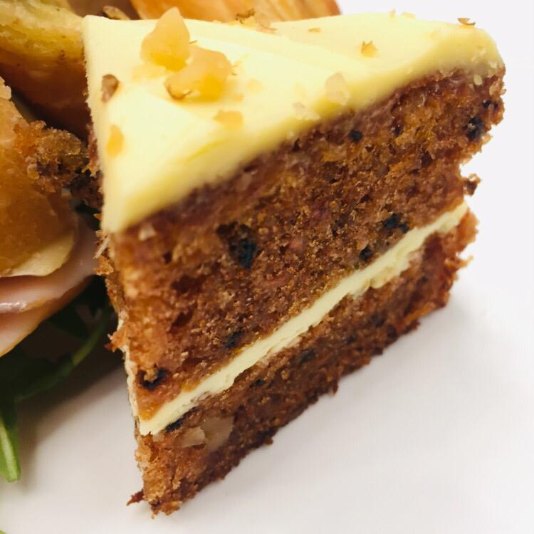 Costa's version of carrot cake is just nice, as it's not too sweet. (MAHB pic)