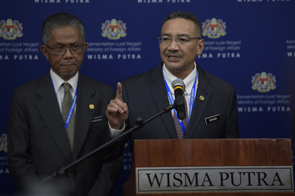 Foreign Minister Datuk Seri Hishammuddin Hussein said 80 Malaysian citizens who are stranded in Saudi Arabia following the suspension of flights and travel ban by the government of the kingdom to the Covid-19 outbreak are expected to arrive home early morning tomorrow.. — Bernama pic