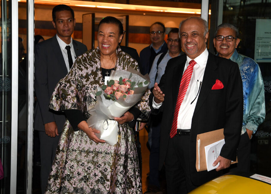 Commonwealth secretary-general Patricia Scotland (left) and MAIWP chief Datuk Seri Syed Hussien Alhabshee (2nd right) are seen at KLIA February 9, 2020. — Bernama pic