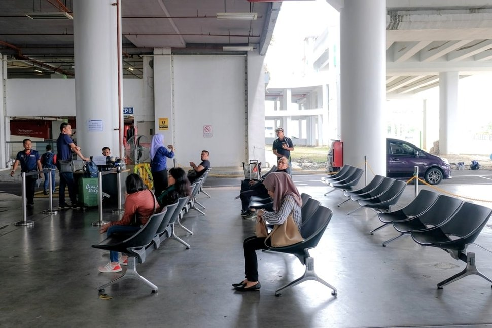 E-hailing pick up points at the klia2