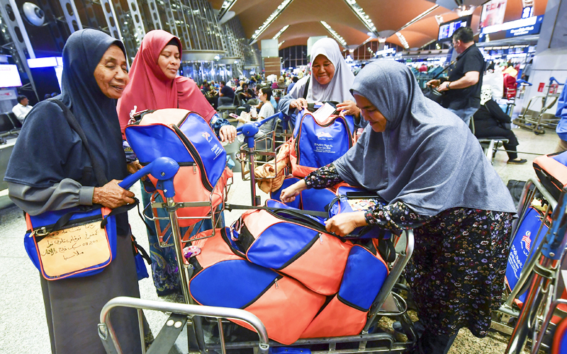 More than 100 umrah pilgrims from Malaysia, Indonesia stranded at KLIA