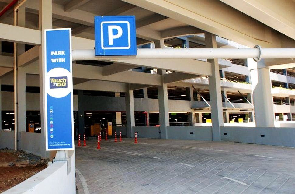 Parking facilities at klia2, 6,490 covered parking bays