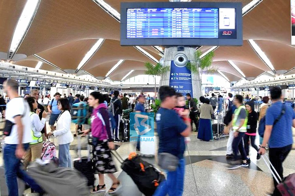 Malaysia's passenger traffic in 2019 is expected to grow by 5.4 per cent with international and domestic passenger traffics growing at 2.3 per cent and 8.8 per cent, respectively. — Bernama photo