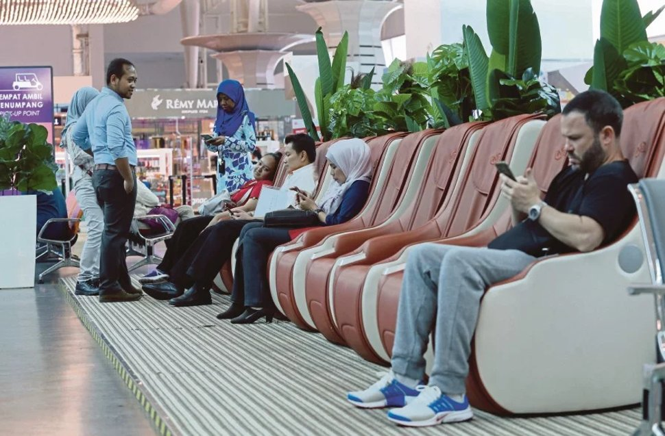 Travellers can pamper themselves with a soothing massage on massage chairs easily accessible throughout the terminal.